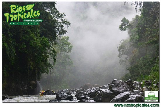 Rios Tropicales: Upper Huacas Rapid, Pacuare River