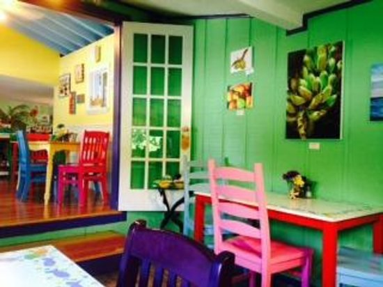 Midway Cafe & Coffee Bar: seating area