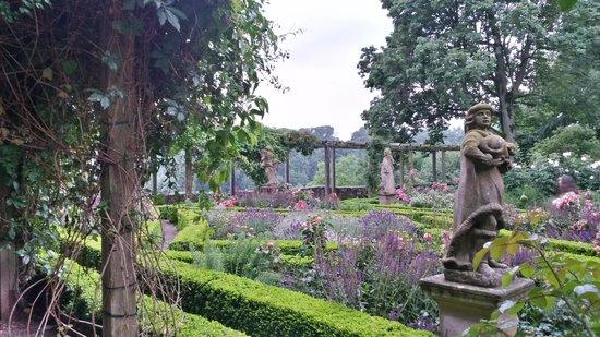 Burggarten: The gardens