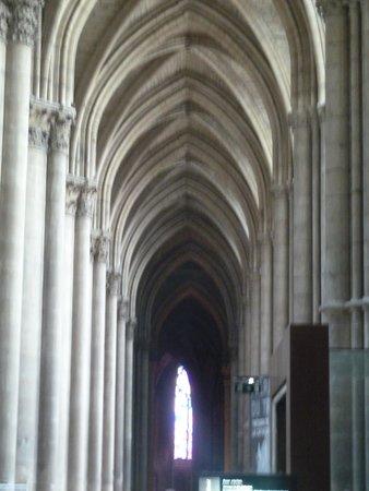 Cathédrale Notre-Dame de Reims : Inside Reims Cathedral
