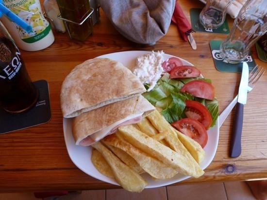 Irresistible Bar: ham & cheese pita with homemade coleslaw :-)