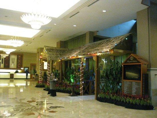 Royale Chulan Kuala Lumpur: Hall principal