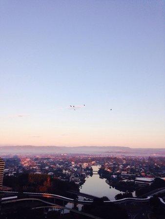 Sofitel Gold Coast Broadbeach : View from my hotel room window 21st floor. Spectacular!