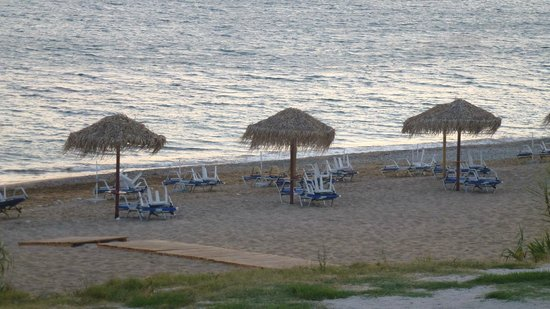 Hotel Costas Golden Beach: View of beach from hotel