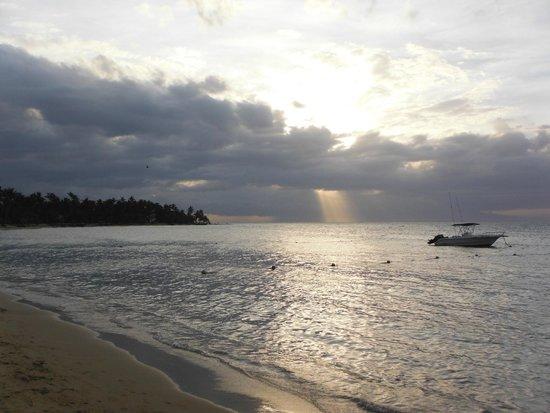 Grand Bahia Principe El Portillo: Atardecer
