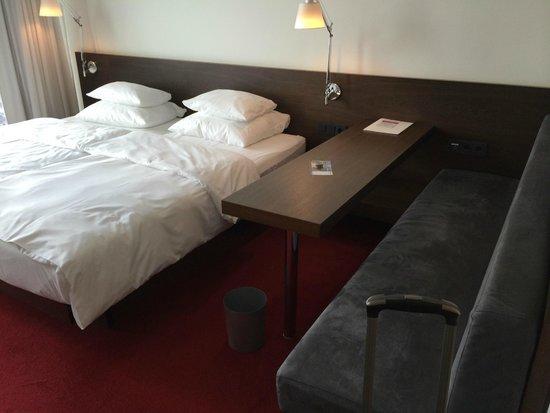 Empire Riverside Hotel: detalle de la cama