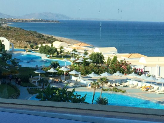 Atrium Prestige Thalasso Spa Resort and Villas : View from the hotel lobby