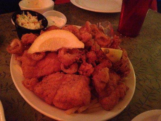 Stewart's Restaurant & Tavern Seafood: Seafood platter