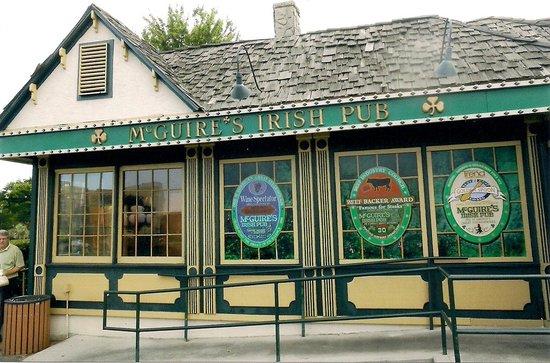 McGuire's Irish Pub & Brewery: McGuires