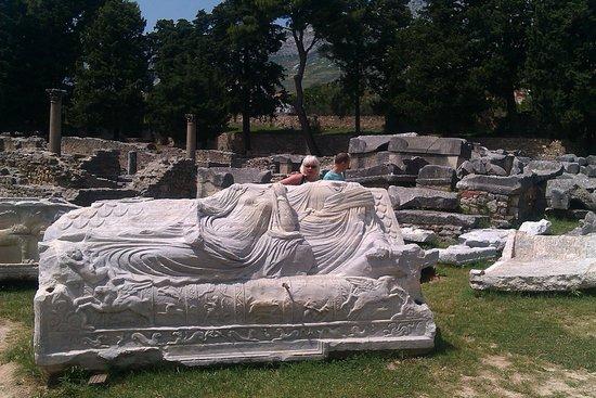 Ruins of the Solin Amphitheatre: Древность