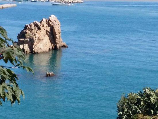 Hotel Le Calette: paesaggio dalla piscina
