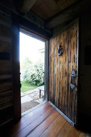 Cothren House: The rustic cabin doorway