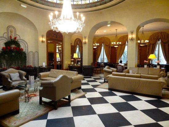 lobby area of hotel picture of millennium hotel paris opera paris tripadvisor. Black Bedroom Furniture Sets. Home Design Ideas