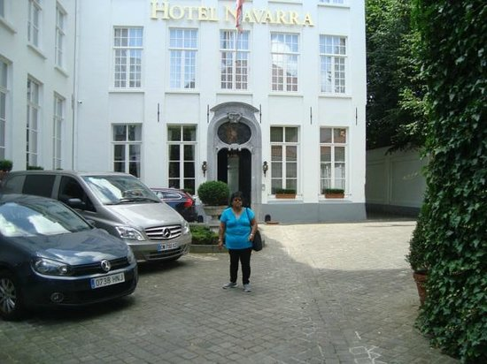 Hotel Navarra: Front of the hotel