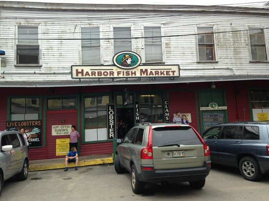 Maine Foodie Tours - Culinary Walking Tours: Fish market