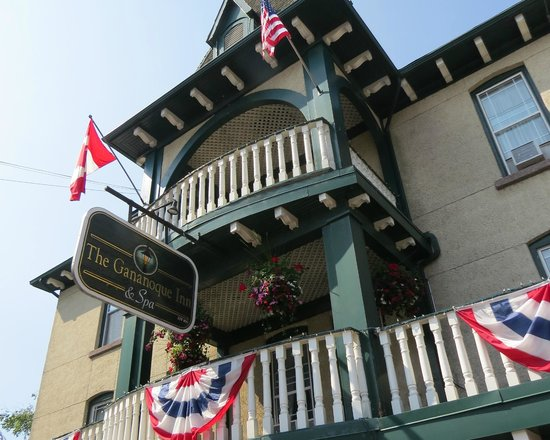 The Gananoque Inn and Spa: Historic inn, photo by Mike Keenan