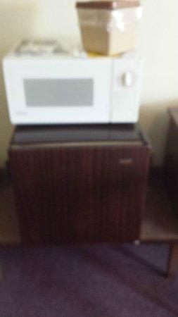 Erin Motel: fridge/microwave