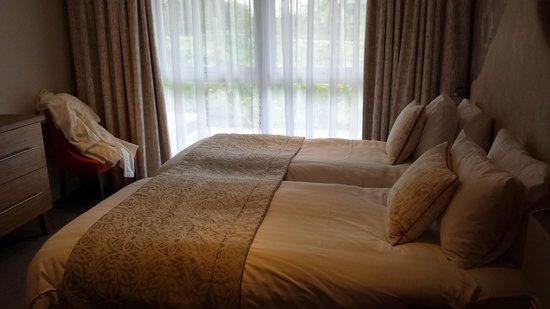 Warner Leisure Hotels Alvaston Hall Hotel: we had twin beds