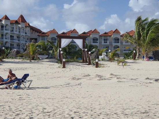 Occidental Caribe: looking at hotel from beach