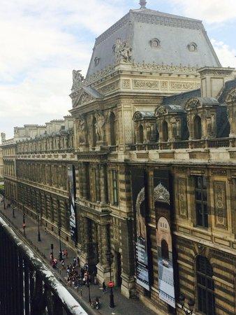 Hotel du Louvre: Right outside my window