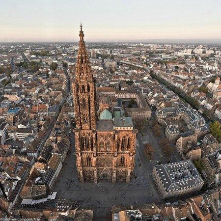 Cathédrale Notre-Dame de Strasbourg : vue aérienne