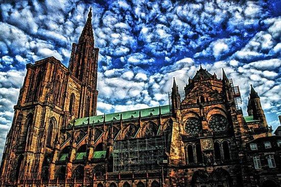 Cathédrale Notre-Dame de Strasbourg : mariage de la pierre et du ciel