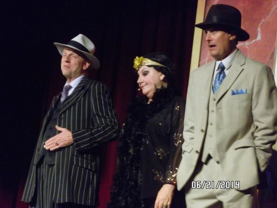 Capone's Dinner and Show : Bugs, Miss Jewel, and Fingers
