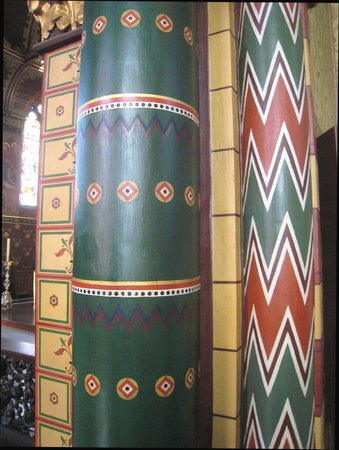 Basilica of the Holy Blood: Ornate column
