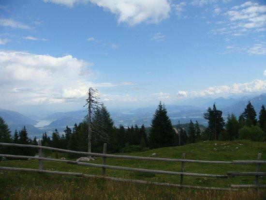 Villacher Alpenstrasse : rundblick vom dobratsch