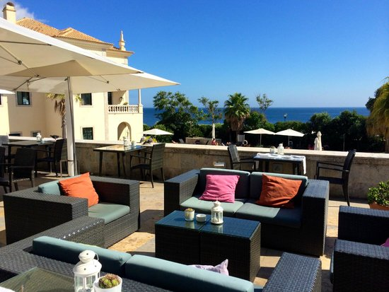 Grande Real Villa Italia Hotel & Spa : Roof terrace bar
