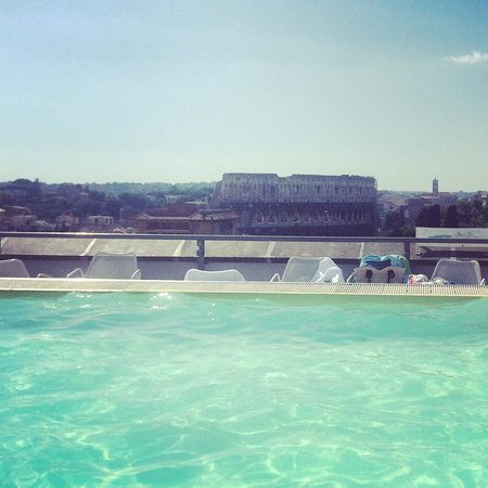 Mercure Rome Colosseum Centre: View from pool