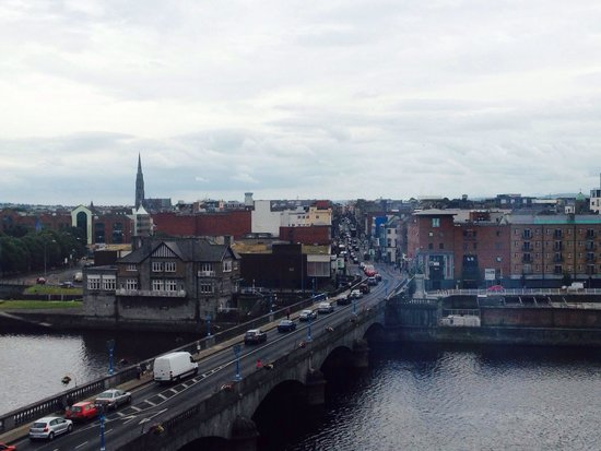 Limerick Strand Hotel : View of river Shannon from room