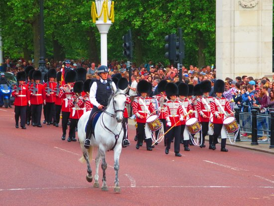 Buckingham Palace: down the mall from St James Palace