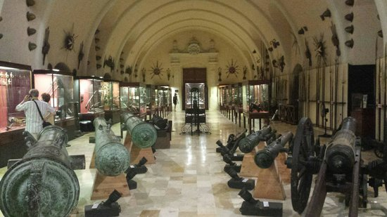 Grandmaster's Palace : Cannon and firearms