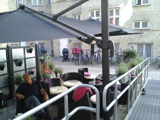 Andersen Boutique Hotel : Terrasse backyard