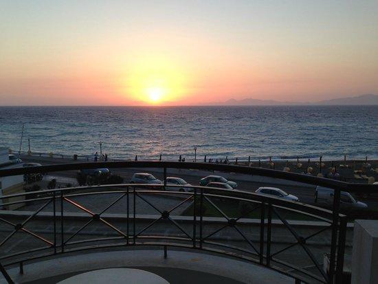 Mitsis Grand Hotel: sunset
