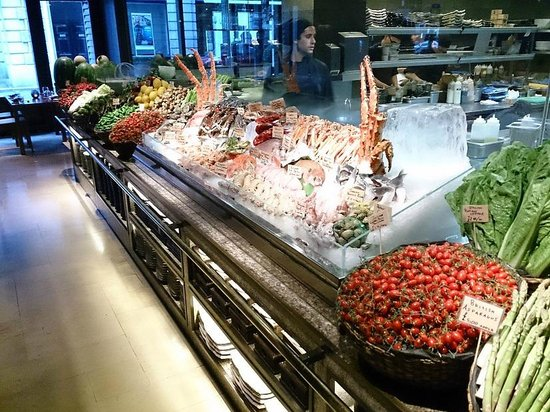 Novikov Restaurant & Bar: Fresh seafood