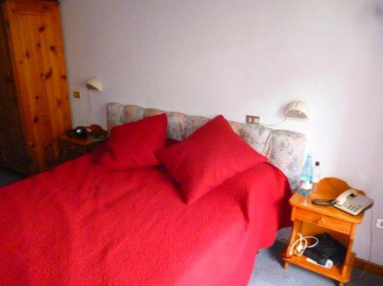 Hotel Virgilio: BED ROOM