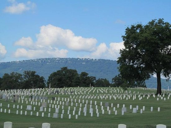Chattanooga National Cemetery: more markers than you can count