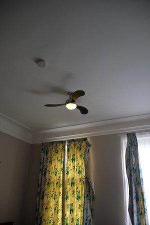 Klarov: ventilatore a soffitto