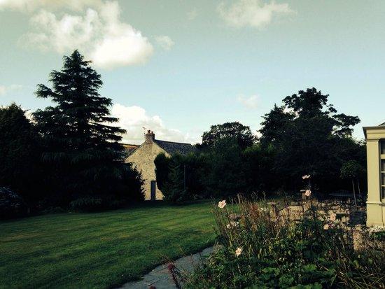 Poltarrow Farm: Front garden