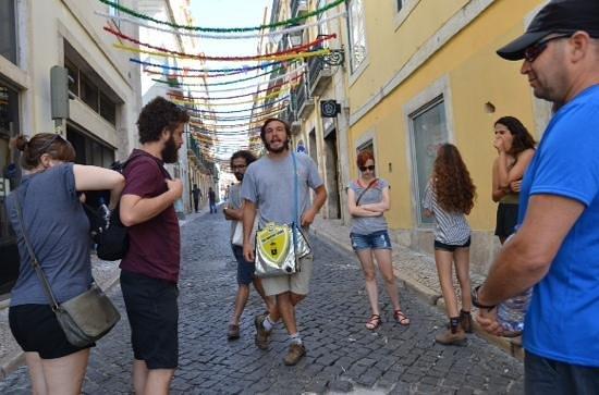 Lisbon Chill-Out Free Tour: Rafa @ work