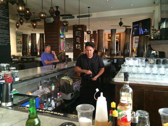 Bahia Hotel & Beach House: Awesome Bartenders