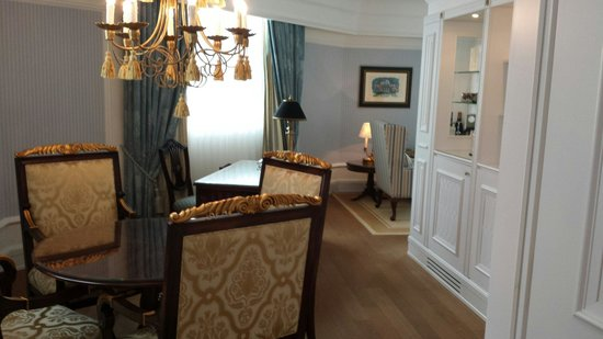 Powerscourt Hotel, Autograph Collection: Complimentary upgrade to this suite