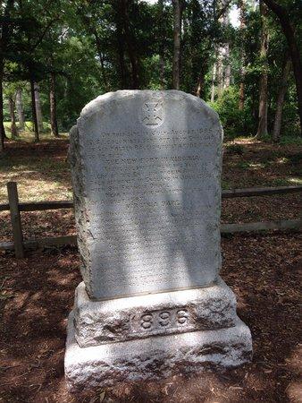 Fort Raleigh National Historic Site: Virginia Dare Memorial