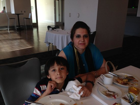 Loews Hollywood Hotel: Great Breakfast with Aliya Abbas & Shahraiz Ali