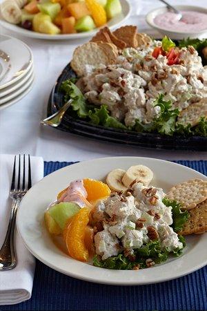 Baumhower's Victory Grille: Chicken Salad