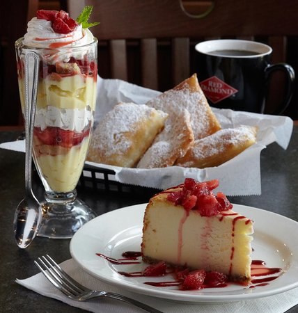 Baumhower's Victory Grille: Yummy Desserts!