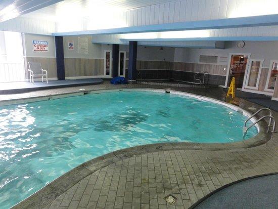 Culver Cove Resort: Swimming Pool