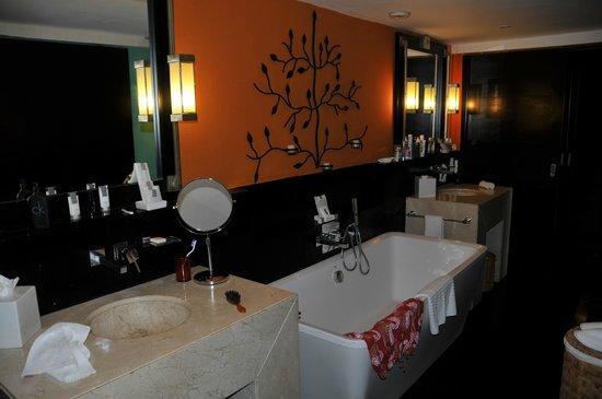 Club Med Cancun Yucatan : Salle de bain -suite